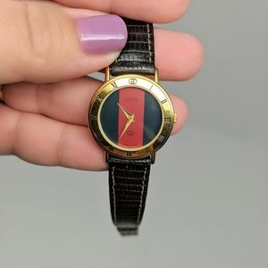 Auth Gucci Red Green Face Watch